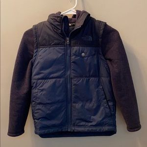 Boys navy north face puffer jacket